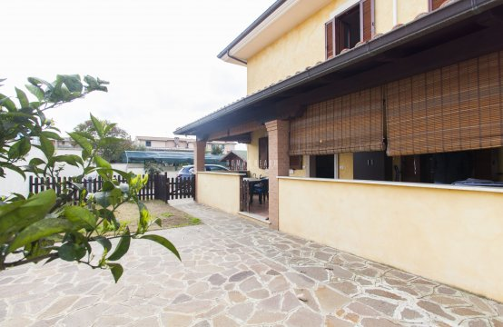 Immobile in для продажи a Anzio, Lazio